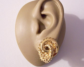 Monet Rope Ring Clip On Earrings Gold Tone Vintage Large Swirl Circle Twisted Braided Wrapped Ribs Comfort Paddles