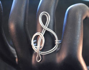 Clef Ring