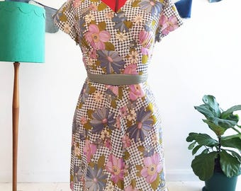 Floral 1970's Day Dress
