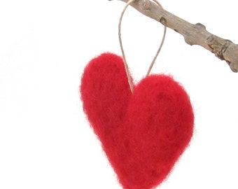 Wool felt heart ornament - Red heart - Valentines ornament