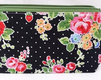 Purse // knitting notions bag // makeup bag// zipper pouch // Lecien // roses // japanese cotton