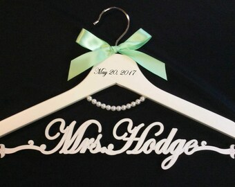wedding pearl  hanger,bride hanger,laser cut hanger,Mrs hanger,Personalized Hanger,Custom hanger,wedding hanger,wedding dress hanger
