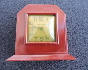 Bakelite New Haven Small Red Mini Wind Up Table Top Clock