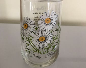 vintage 70's Flower of the Month Daisy April tumbler glass
