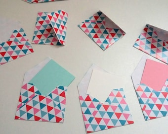 Set of small envelopes with triangles