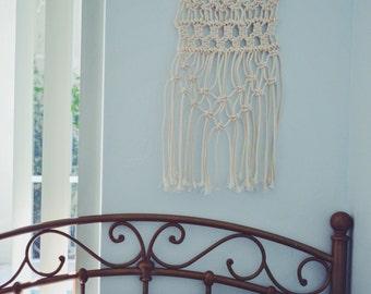 Macrame Wall Hanging || Boho decor | Teen gift | Teen Bedroom Decor | Hippie Decor | Bedroom Decor | Macrame wall hanging | Wedding
