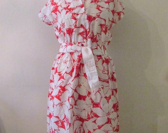 70s Red & White Floral Sundress, S-M // Vintage Belted Tropical Dress
