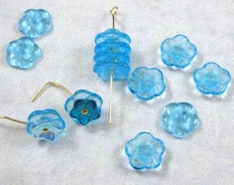 25 Aquamarine Glass Pinwheel Flower Beads