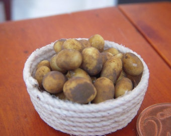 Potatoes basket