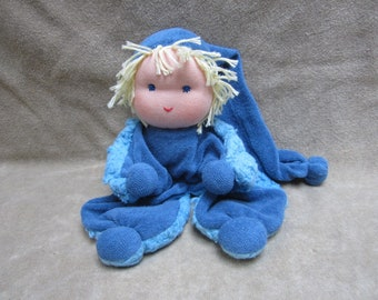 Waldorf doll 10.6 inch. Soft Waldorf cuddle doll for toddlers and young children, Waldorf sleep doll 'KnuffelKlaas'. Ready to ship. KKS017