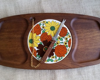 WOOD & TILE Cheese Board 1970s Cheese Tile and Board with Knife Orange and Yellow Flower Power Round Tile
