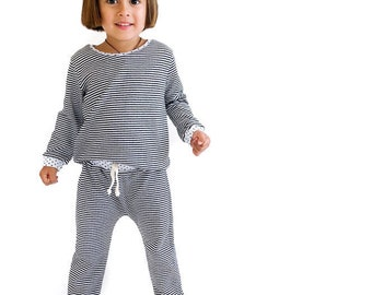 Black & White Striped Double Knit Outfit 6m-6/7y. www.brownsugarbeach.com
