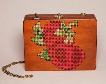 Wooden bag for women/hand made embroidered bag/gift for her/wooden clutch bag, wooden clutch/eco friendly, vegan bag