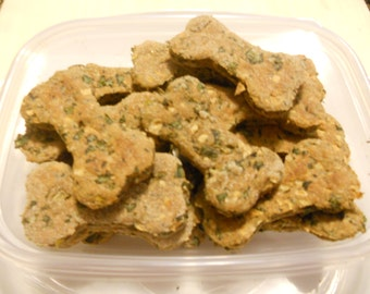 4 oz Minced Apple Kale With Mint Treat, All Natural Dog Treats,Treat Sampler, Gift For Dog Lovers,Homemade Dog Biscuits