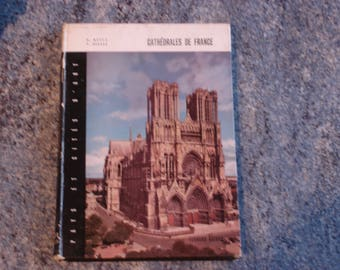 Book CATHEDRALS of FRANCE with black and white photos and colors of 1962