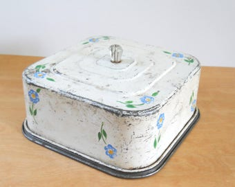 Square Cake Saver Vintage  • Rustic White with Blue Flowers • Charming 1930s - 40s Cake Saver