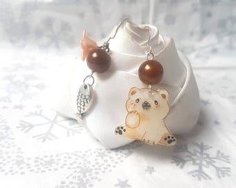 Earrings depareillees little polar bear is looking for fish