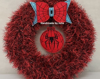Knitted Tinsel Wreath Spiderman