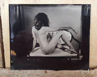 Nude tintype of a model on settie Zoe -01