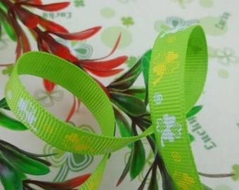 Light green ribbon pattern (x 1 meter) 4-leaf clovers