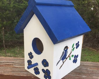 Birdhouse with flowers // brighten your day // blue