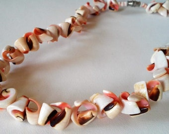 Vintage Pink White Black Shell Scroll Strand Necklace 1970s