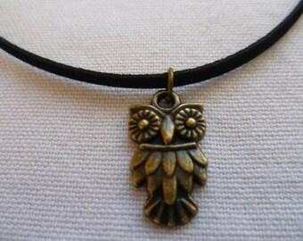 Owl choker, owl necklace,bronze owl. small owl,black choker,handmade,suede choker,bird choker,bird necklace,owl jewellery,gift, woodland