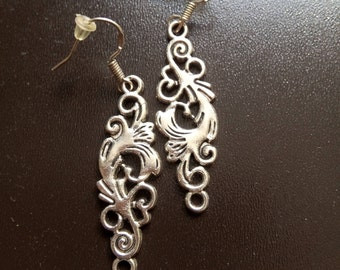Earrings silver filigree pattern