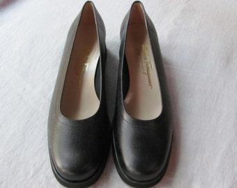 Feragammo 9 1/2 AA ,never worn