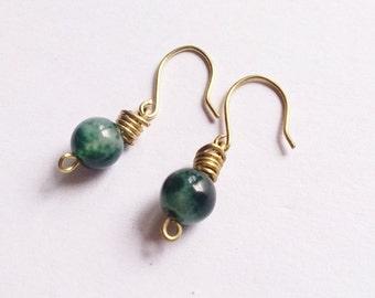 Green Agate Earrings,small earrings,green earrings,wire-wrapped earrings,dainty earrings,Simple earrings,gift for mom,gemstone earrings,boho