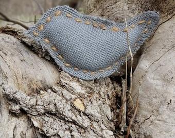 Grey Burlap Bird - Handswen