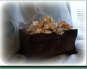 Happy Shelling Seashell box