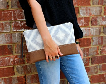 Gray and White Geometric Clutch / Kindle Case