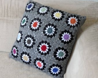 Crochet and fabric pillow cover / multicolor / gray