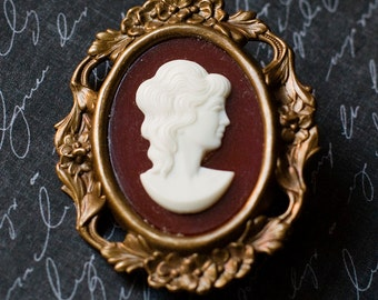 Cameo Brooch, Red Brooch, Vintage German Cameo, Victorian Floral Brooch, Floral Jewelry, Cameo Jewelry, Filigree Brooch, Gift for her, SRAJD