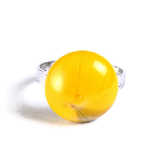 Yellow glass adjustable silver ring petite cocktail ring OOAK (681)