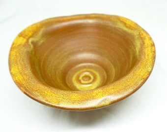 "Bar Harbor Pottery; Maine; Approx. 3""h x 6.5""w; Wheel Thrown !!!"