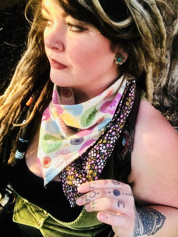 READY to SHIP-(Doilies, Pinecones & Pansies~Oh!My!)-Retro Inspired Snapback Bandana-Doilies-Pinecone Geometry-Retro Floral