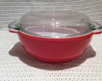 Pyrex JAJ Weardale Deep Coral Red Easy Grip 2 pint Round Casserole Dish circa 1960