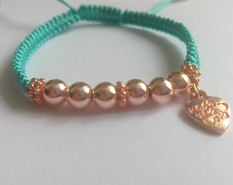 Macrame green bracelet