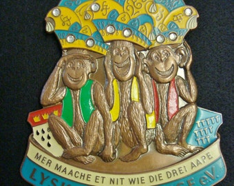 Hear See and Speak No Evil - large 3 monkeys plaque pendant 1985 - Cologne Carnival Germany  -  three wise monkeys