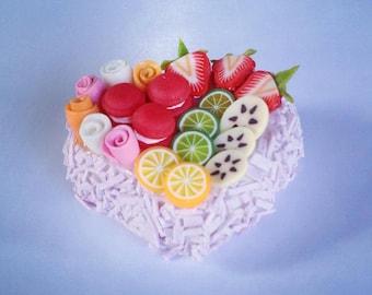 Miniature Cake Heart 1:12 - Series 2 - 002