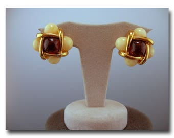 VINTAGE Joan Rivers Classic Collection cream/amber earrings (clip on)