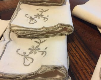 Vintage ecru linen embroidered napkins - set of 12