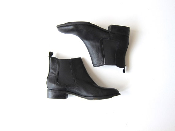 Leather Chelsea Boots | Vintage Ankle Boots 90s Elastic Side Panel Pull Up Boots Black Leather Booties Women's USA 9