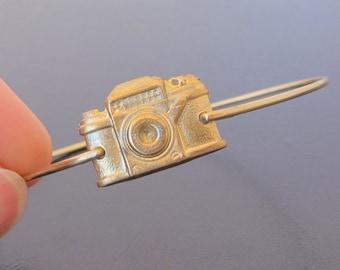 Camera Bangle Bracelet, Gold Camera Bracelet, Camera Jewelry, Camera Charm Bracelet, Steam Punk Jewelry Steampunk Bracelet Steampunk Jewelry