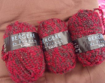 "Bergère de France ""Fleece"" ceremonial red/brown yarn"