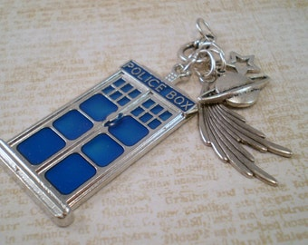 Tardis Charm Necklace, Police Box Jewelry, Whovian Jewelry, Whovian Gift, Dr Who Necklace, Time Lord Jewelry, Tardis Necklace