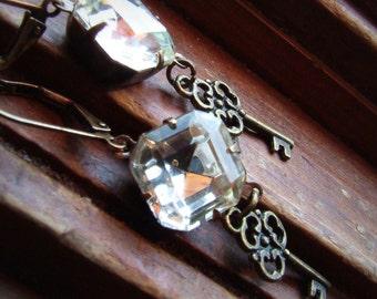 Vintage Glas Juwel Ohrringe, Skelett Schlüssel Charm, quadratischen Edelstein, Kristallstein, lange, dangly, Hochzeit Ohrringe, Brautschmuck