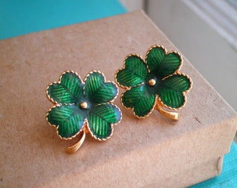 Vintage Four Leaf Clover Stud Earrings - Good Luck Green Clover Vintage Avon Enamel Post Earrings Lucky Shamrock Retro Jewelry Gift For Her